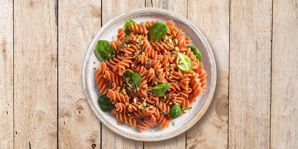 Fusilli BIO 100% lenticchie rosse con granella di pistacchio, spinacino e sale rosa