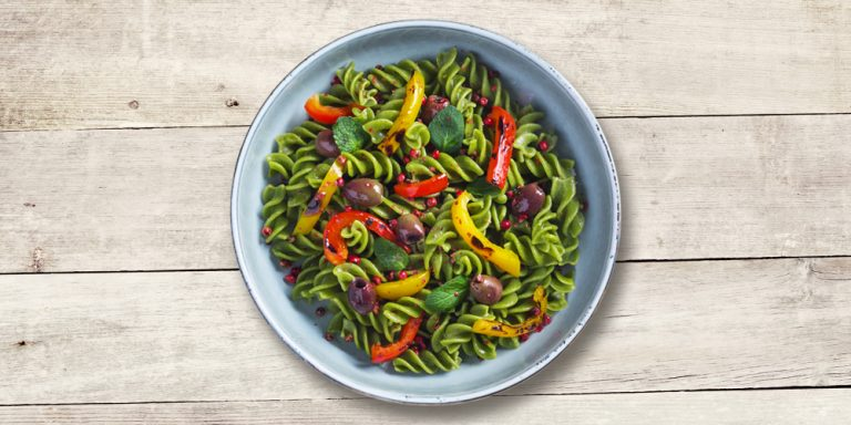 100% organic pea flour Fusilli with roasted peppers, taggiasca olives and pink pepper