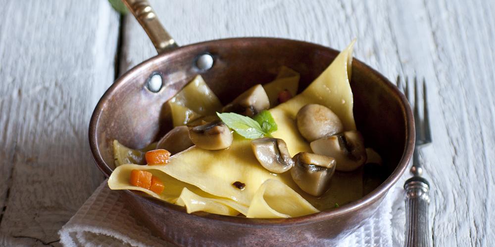 Crepes di lasagne alla ricotta, funghi e zucca