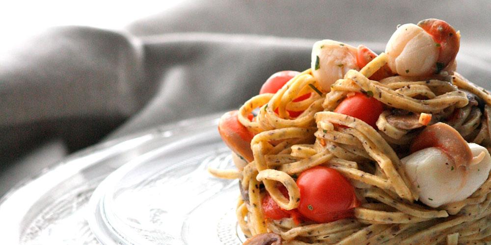 Tagliolini al tartufo con capesante e champignons