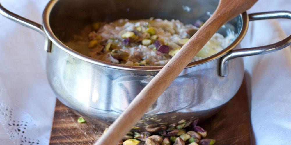 Granpanzerotti ricotta, spinaci e scorza di limone con pesto di melanzane e pistacchio di Bronte
