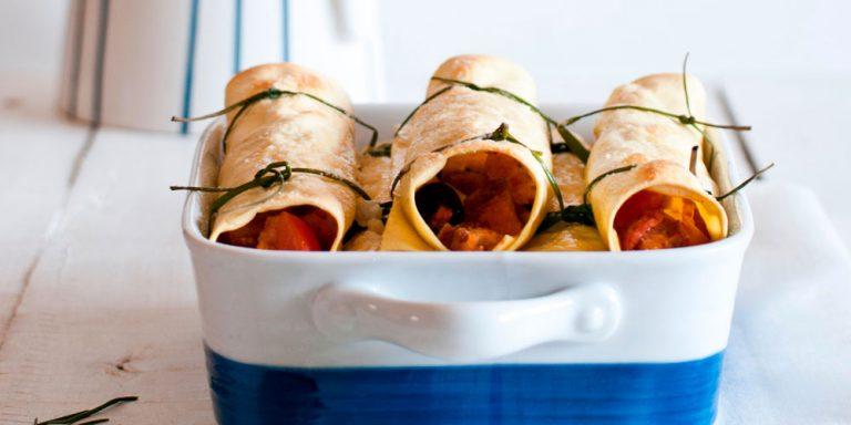 """Lasagne """"arrotolate"""" all'insalata di pane ai profumi della Grecia"""