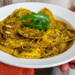 Girasoli bio-veg ripieni di Verdure Grigliate con pesto di rucola e pinoli e briciole di pane croccante