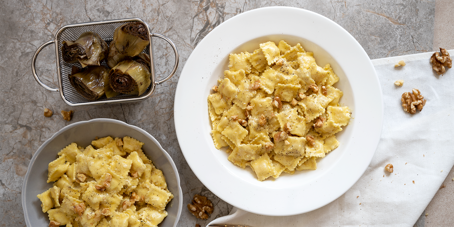 SMALL_RAVIOLI_CHEESES_WITH_ARTICHOKES_WALNUTS_SAUCE