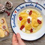 Granpanzerotti polpa di granchio e gamberi su crema di patate al limone con burrata e pomodorini confit – di Sonia Peronaci